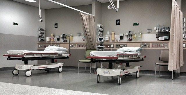 איבד את יכולת השמיעה בעקבות רשלנות מקוממת מצד הצוות הרפואי