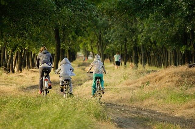 ילדה שנפלה מאופניים קיבלה טיפול רשלני, כללית תפצה אותה