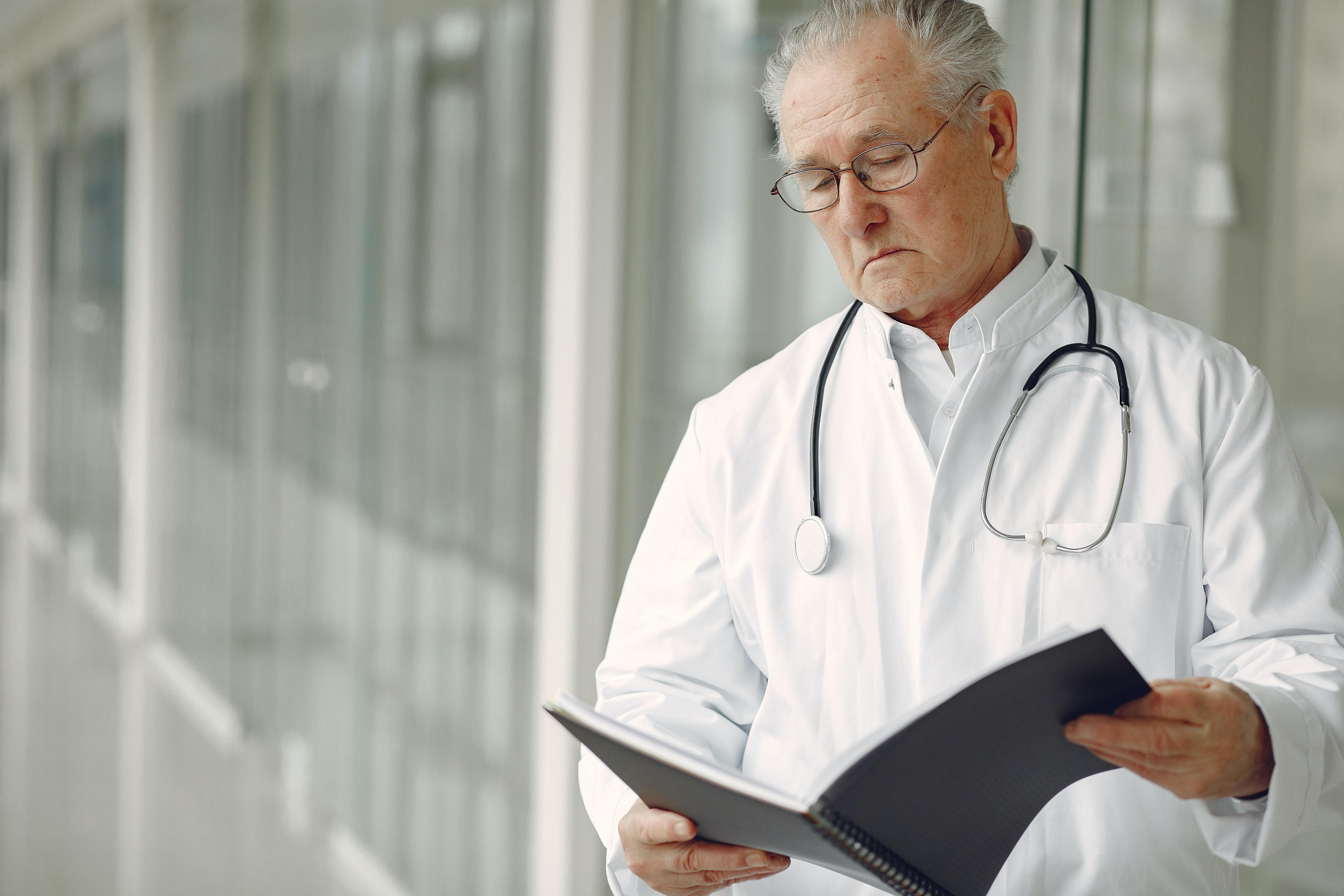איך להימנע מרשלנות רפואית בניתוחי חניכיים וחלל הפה?